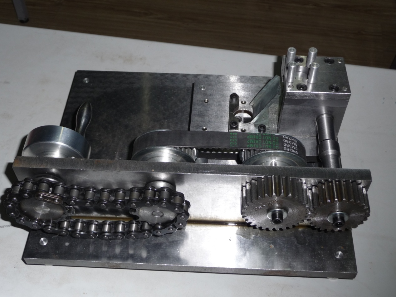 图二:全国大学生机械创新设计大赛机械工程系代表作品图片